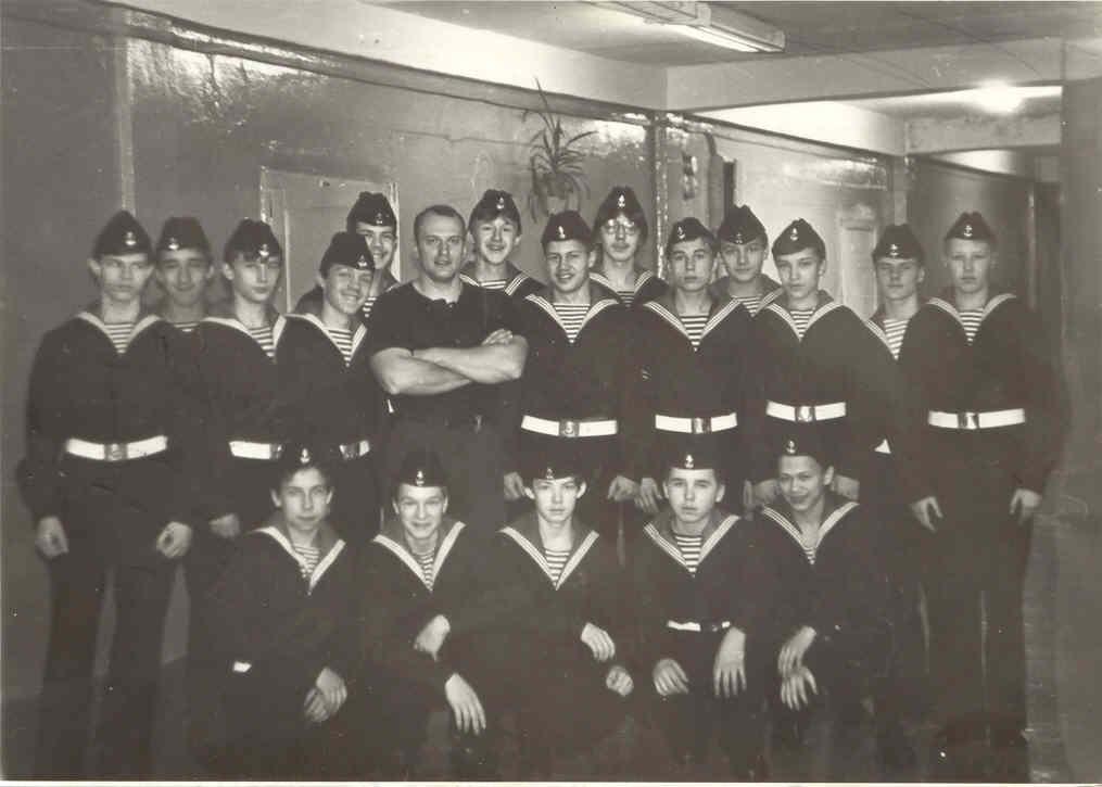 8 «Б» класса с классным руководителем Юрием Пановым